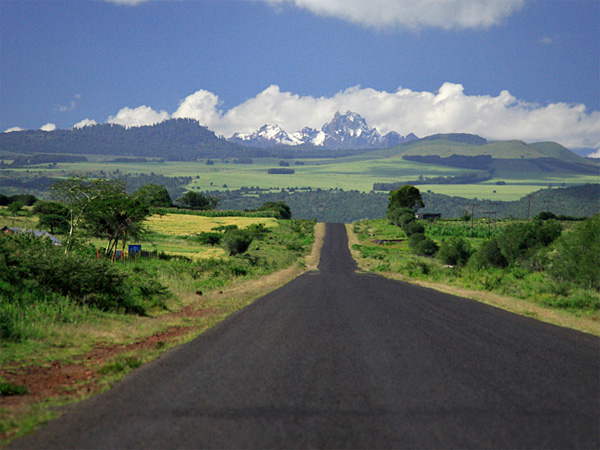 the road to mount kenya