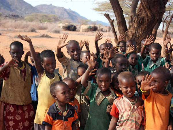 schoolchildren supported by kindfund in northern kenya